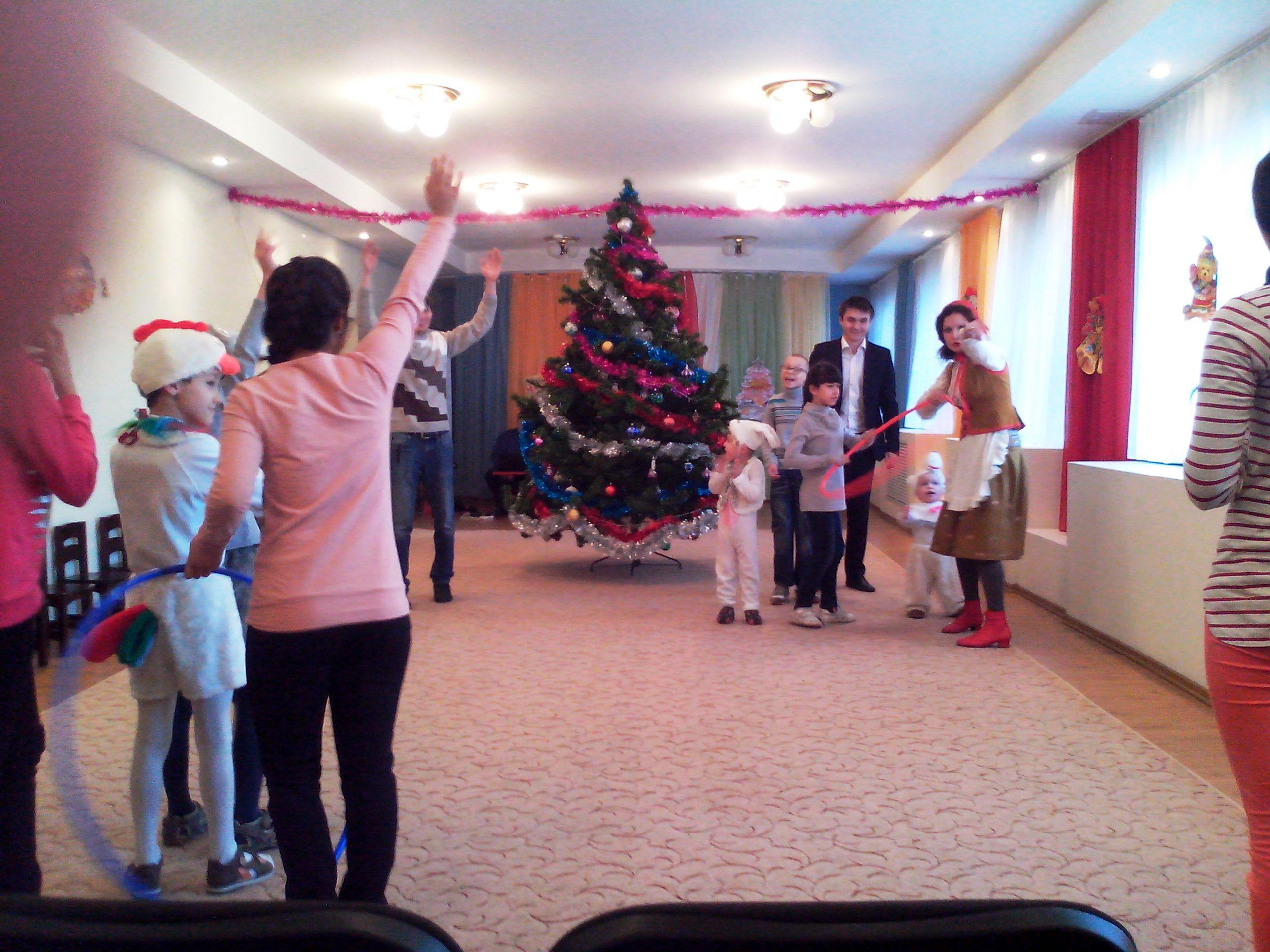 «ЭнергоСнаб» дарит подарки детям-сиротам